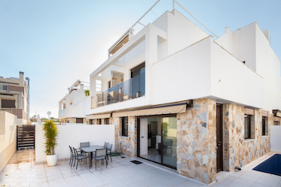 Is It Worth Buying a House in Spain? What You Need to Know!: Spain Guides | Is It Worth Buying a House in Spain? What You Need to Know!