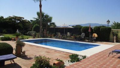 APA209: Villa for sale in Pizarra