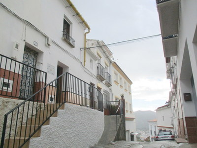 APA248: Village-House in Alora