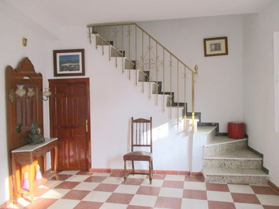 APA262: Town house for sale in Alora