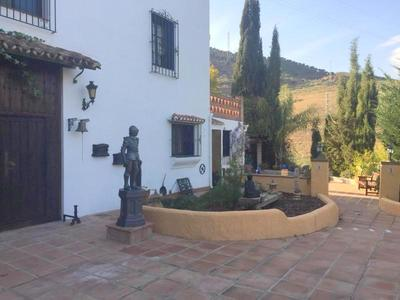 APA269: Country-House in Alora