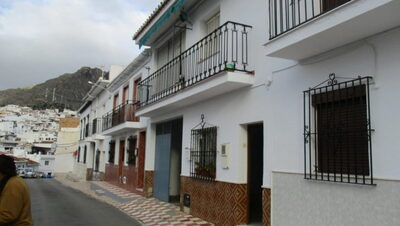 APA79: Townhouse for sale in Alora