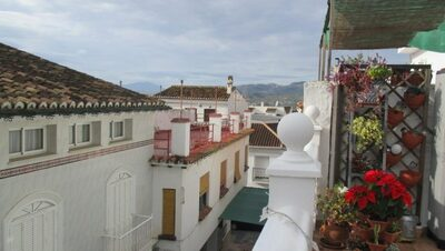 Ref:APA315 Village-House For Sale in Pizarra
