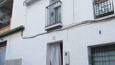 APA295: Village-House for sale in Alora